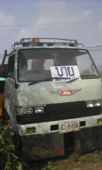 รถ 6 ล้อกลาง ติดเครน Hino KM ขาย 450000 ครับ