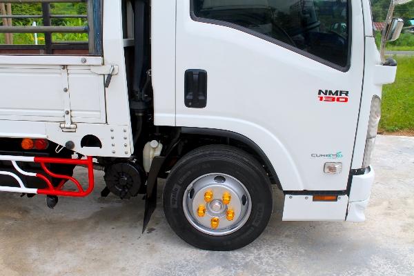 หกล้อ ISUZU NMR 130 ปี56 กระบะยาว 4.30 รถบ้านห้างแท้มือเดียวเจ้าของขับเอง