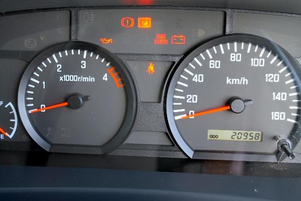 ขายหกล้อ ISUZU NMR 130 สภาพนางฟ้า ปี57 ไมล์วิ่งน้อย 22.000 km รถบ้านมือเดียวไม่เ